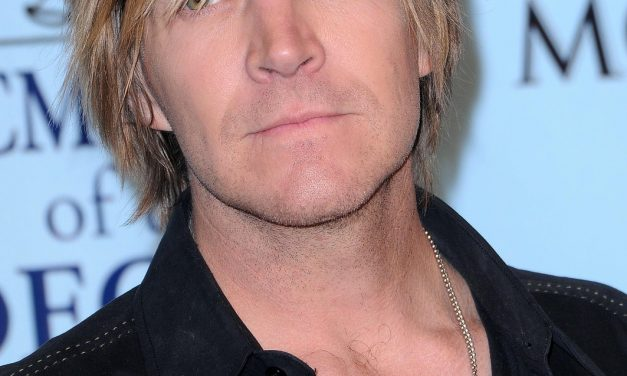 Jack Ingram at the Texan Theater on Friday