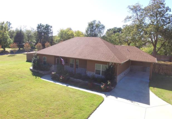 3 bed 2 bath home on large corner lot with swimming pool