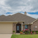 4 bedroom 2 bath home for sale in Hunt County