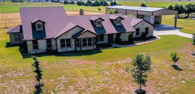 Five bedroom home for sale in caddo mills texas 469 900 - 5 bedroom homes for sale in texas ...