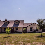 Five bedroom home for sale in Caddo Mills, Texas || $429,900