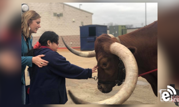 Red the longhorn pays a visit to GISD students