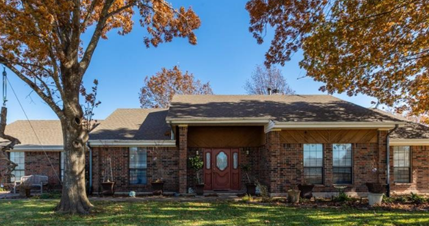 Three bedroom home for sale in Greenville, Texas || $275,000