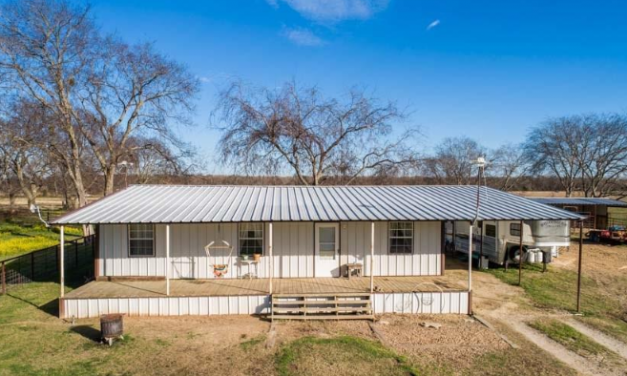 Three bedroom home for sale in Point, Texas || $194,900